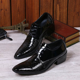 Hot Selling Luxury Men Black Derby Shoes Fashion Business Leisure Leather Shoes Lace Up Snake Patter Oxford Man Office Shoes