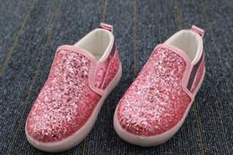 Lumières bottes à vendre-Bébés filles garçon LED Light Chaussures Toddler Anti-Slip Sports Bottes Enfants Sneakers Enfants Cartoon Sequins Souliers Casual
