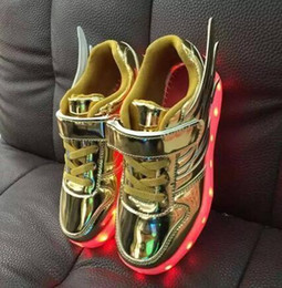 2017 enfants enfants chaussures ailées Enfants Chaussures Led Garçons et Filles Light up USB Charging enfants Sneakers Casual Colorful Flashing Ailes Chaussures EUR 25-35 promotion enfants enfants chaussures ailées