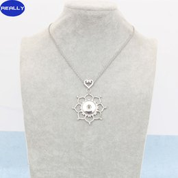 REALLY Wholesale Antique Silver Plated Noosa Flowers Shape With 18MM Snap Button Necklace Interchangeable Pendant Jewelry Free Shipping