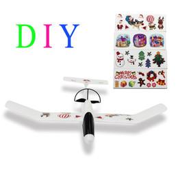 Planeadores de bricolaje en Línea-2016 de los niños juguetes educativos el aeroplano del planeador artesanía Hecho de material EPP Fácil montado mejor regalo de Navidad para sus niños