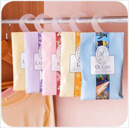 Wholesale natural multi functional air freshener sachet for homes car mini scent bag different fragrances price