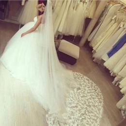 New Elegant Luxury Best Sale Cheap Romantic Cathedral Fashion Designer Lace Edge 3 Meters Long Bridal Veil velo Muslim Bridal Veils