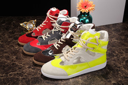 Promotion la conception de chaussures de couleur Nouveau design Yellow Color Block High Top Chaussures Bootie PVC-Suede Promenade en cuir Chaussures de sport Mode Hommes lacent Hommes Casual Flats