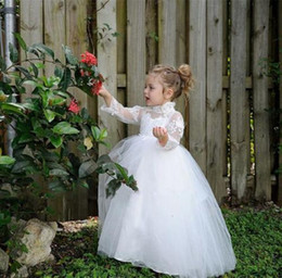 White princess Flower Girls Dresses 2016 High Neck Lace Applique Tulle Ball Gown Long Sleeve Kids Dress For wedding