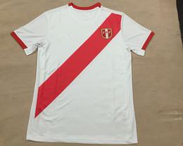 Wholesale 2016 Republica del Peru Home White Soccer Jersey Peru White Football Shirts Pizarro Guerrero Cristiano Kuai Wa camisas de Top Quality