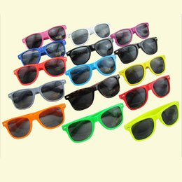 Wholesale Supply meters nail sunglasses men and women Colorful frame sunglasses retro sunglasses manufacturers f105