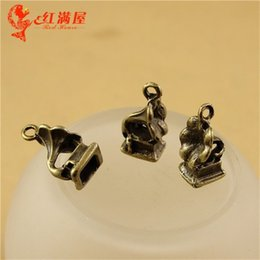 Wholesale A1660 MM Antique Bronze Vintage gramophone charm pendant beads mobile phone accessories Korean jewelry making Phonograph charm