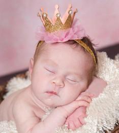 Descuento cute baby accesorios de fotografía Bebé lindo de la perla Glitters 3D princesa Crown venda del bebé recién nacido Bling Headwear elástico fotografía apoya Hairband encaje horquilla de Headwrap