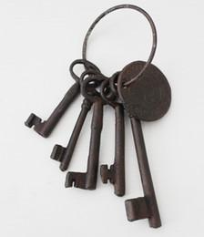 Wholesale 2 Sets Iron Key Set Old Style Jailer s Slave Antique Reproduction Large Cast Iron Jailors Gate Door Keys