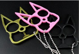 Wholesale 20pcs New Self Defense Kitty Cat Novelty Keychain Newest Designer Car Key Pendants U Shape Alloy Chains Promotion Key Bag Car Rings NAR041