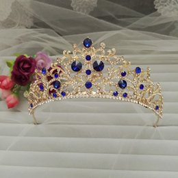 Wholesale Newest Design Luxury Royal Bridal Crown Gold Metal Blue Diamond Crystal Bridal Tiaras Big IC2632 In Stock Wedding Accessories