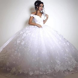 African Ball Gown Wedding Dresses Vintage V Neck Cap Sleeves 3D Appliques Wedding Gowns Tulle Arabic Dubai African Bridal Dress