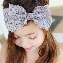 Descuento bandas para la cabeza de encaje blanco para bebés Accesorios para el cabello del niño del bebé lindo de los niños del arco de Hairband de la venda del turbante cordón Headwear Hairband blanco rosa púrpura