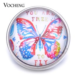 VOCHENG NOOSA Wholesale 18mm Free To Fly Glass Snap Charm Butterfly Button Vn-1189