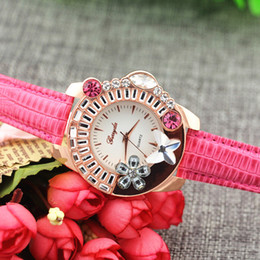 Free shipping!Leather band,animal flower crystal on case,gold plate case,quartz movement,Gerryda fashion woman lady quartz crystal watches