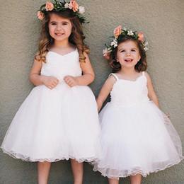 New Lovely 2016 White Tulle Princess Toddler Flower Girls Dresses For Weddings Cheap Spaghetti Knee Length Bohemain Wedding Dresses