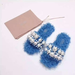 Wholesale Cute Novelty Pearl Beaded Novelty Warm Soft Plush Lamb Wool Winter Slippers Scuffs