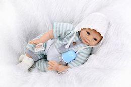 Muñecas bjd en venta-22 pulgadas bebé nacido Juguetes Boutique recién nacido como la vida real muñeca muñeca regalo conjunto con suave azul franja de ropa