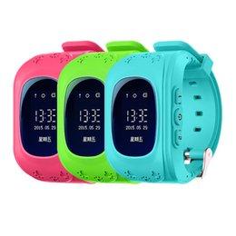 Descuento dispositivo de niño perdido Smart Phone Watch Niños Kid Reloj GPS Tracker Smart Watch Anti-Lost Q50 Smartwatch Dispositivos Wearable para iOS Android