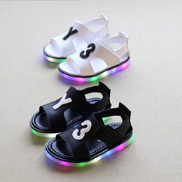 Fashion Children Led Sandals Kids Shoes 2016 Summer New Baby Boys Girls Korean Style Y3 Luminous Shoes Child Beach Shoes 3 Colors 5pairs lot