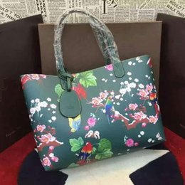 Wholesale 2016 Green Exquisite totem and flowers show the female passion art elegant unique style of the handbag
