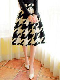 Wholesale High waist block grid MIDI skater skirt Pleated Dress Mid Calf European style of vintage elegant autumn Skirt M XL