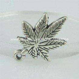 Wholesale 15138 Alloy Antique Silver Vintage Plant Maple Leaf Pendant Charm