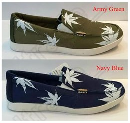 Wholesale LJJJ102 New Men Canvas Maple Leaf Printing Boat Shoes Comfort Casual Loafers Slip on Low cut Shoes Breathable