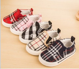 Wholesale 2016 Spring Children Girls Boys Canvas Classical Design Baby Shoes Grid Deer Embroidered Sneaker Shoes B4049