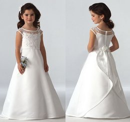 Sleeveless Scoop Neck Lace Appliques Satin Wedding Flower Girl Dresses Ball Gown