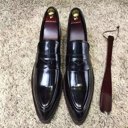 Wholesale the highest copy best quality black dress man shoes genuine leather real leather tread handmade office party wedding and carrier shoes