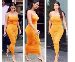 Promotion robes moulantes kardashian Hot style en Europe et le commerce extérieur Kim kardashian robe sans bretelles avec un club particulier sexy serré élastique packet fesses robe