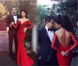 2016 Red Couple Fashion Evening Dresses Mermaid Sheer V Neck Back Long Sleeves Arabic Middle East Style Appliques Lace Prom Gowns