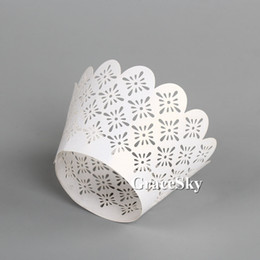 100pcs lot Free Shipping Laser Cut European Style Lace Paper Cupcake Wrapper Liner for Wedding Birthday Party muffin Holder Table Decoration