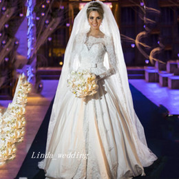 2019 Traditional Long Sleeve White Wedding Dresses Good Quality Princess Lace A Line Bridal Party Gowns