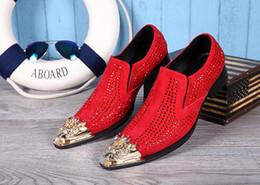 2017 hombres zapatos nuevos estilos Los nuevos 2016 hombres de los holgazanes Italia estilo de lujo Hombre vestido de punta estrecha zapatos de cuero de los zapatos del Rhinestone del banquete de boda de los hombres zapatos 38-46 de la UE económico hombres zapatos nuevos estilos