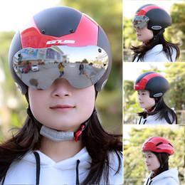 Wholesale Unisex Cycling Helmet Ultralight Integrally molded Vents Bicycle Helmet Bike Skating in Helmet with Goggles Y2222