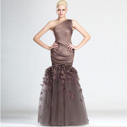 Modern Design One Shoulder Fashion Prom Dress Brown Organza Customized With Handmade Flower Long Length Women Gown
