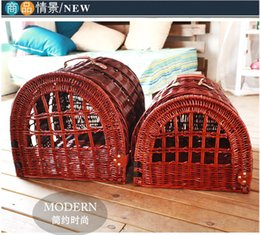 Wholesale Wicker Pet Baskets Willow Dog baskets Handmade With Handle For Birds Cat Pets Dog House easy cleaning Eco Friendly