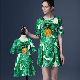 Wholesale Family Matching Clothes Brand Women Dresses Girls Princess Dress Banana Leaf Mother and Daughter Dresses with Embroidered Pineapple
