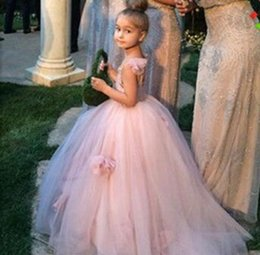 Girl Pageant Dresses Puffy Tulle Blush Pink Flower Girl Dress Spaghetti Straps Girls Party Gowns with Handmade Flowers Sweep Train