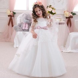 Wholesale 2017 Lovely Three Quarter Manches Dentelle Bow Fille Fille Robes Avec Sash Pour Les Mariages Ball Gown Girls First Communion Dresses