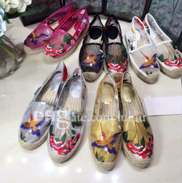 Wholesale Spring flowers series fisherman shoes classic brand design printing classical interpretation of the eternal truth laser embroidery yarn