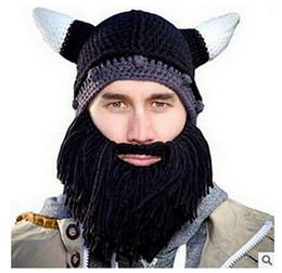 2017 Beanie Skull Gorras Bearded Sombreros de punto invierno Vikings Horn Hat Knitted Sombrero Warmer Ski Bike Skull Sombrero Unisex Hombres Beard Cap DHL desde cráneo del sombrero del esquí fabricantes