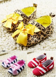 Wholesale Brown leopard print girl casual side adhesive tape mouth single shoes autumn navy blue stripe bow baby toddler shoes
