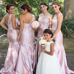 Gorgeous Elegant Mermaid Bridesmaid Dresses One Shoulder Sleeveless Lace Top Blush Pink Hot Sale Maid of Honor Gowns for Wedding Party