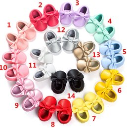 EMS Free Baby kids soft sole PU leather first walker shoes baby newborn bow cow shoes children Tassels maccasions shoes 14 colors