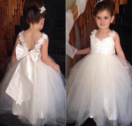 Cheap Lovely Flower Girls Dresses For Weddings V Neck Tulle Lace Floor Length Backless A-line Cheap Formal Girl's Dresses with Bow