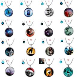 Promotion bijoux de pierres précieuses Nouveaux arrivages Fashion Luminous Collier Hot Selling Time Collier de gemme plus 120 styles Bijoux de collier de Halloween pour les enfants adultes